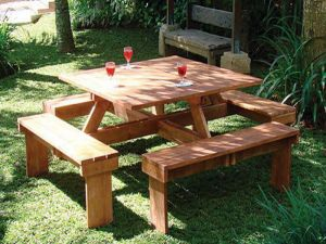 Hardhouten picknicktafel vierkant