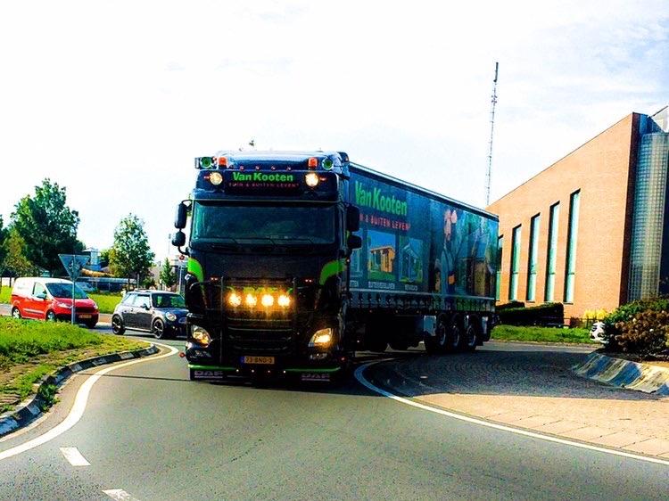 Vrachtwagen van Van Kooten